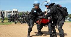 中国和尼日利亚维和警察防暴队开展联合处突演练
