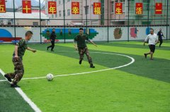 绿茵场上的嘶吼、释放工作的压力――米林边防派出所组织开展足球