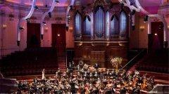 霍洛维茨钢琴举办新年音乐会:绽艺术华彩 谱冬日乐章